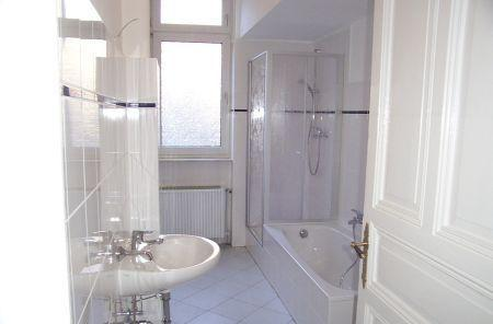 MAASSEN IMMOBILIEN: Herrschaftliche, klassische 4-Zimmer ...