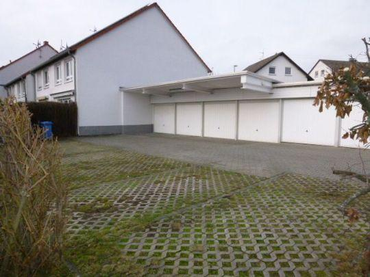 Garage plus Stellplatz